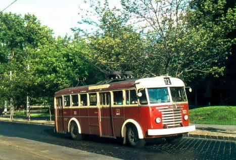 T322 a 72-esen